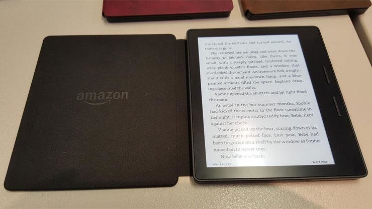 Amazon Kindle Let's You Store Thousands of eBooks and Read them On The Go