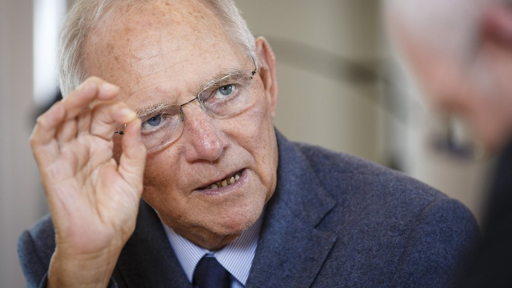 German Finance Minister Warns the Public of Impending Global Crisis