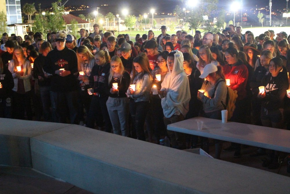 People have Gathered to Offer a Prayer Vigil to the Victims of Las Vegas Shooting